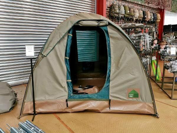 2.4 x 2.4 Dome tent