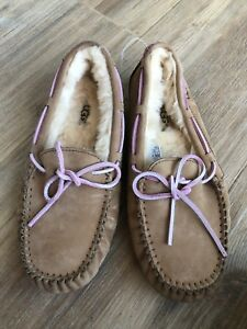 202a1ad05ca Details about 176. Ugg Dakota Moccasins Women's Indoor / Outdoor Brown  Slippers Size 7