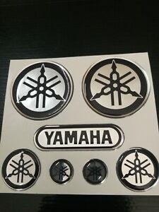 kit-7-adesivi-per-yamaha-r1-r6-tmax-xmax-argento-cromo-NERO-in-resina-gel-3D-new