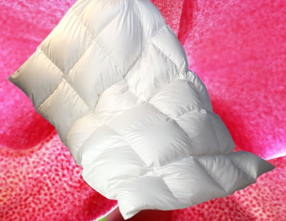 Luxus Bettdecke Daunenbett Daunendecke 4x6 135x200 100% NEUE weisse Gänsedaunen