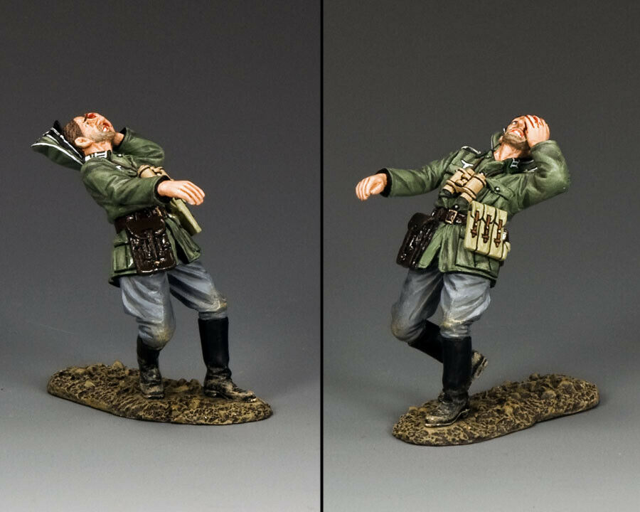 KING & COUNTRY WW2 GERMAN ARMY WS274 GERMAN OFFICER BEING SHOT MIB
