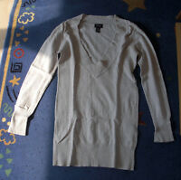 beigefarbener Pullover, Gr. M, V-Ausschnitt