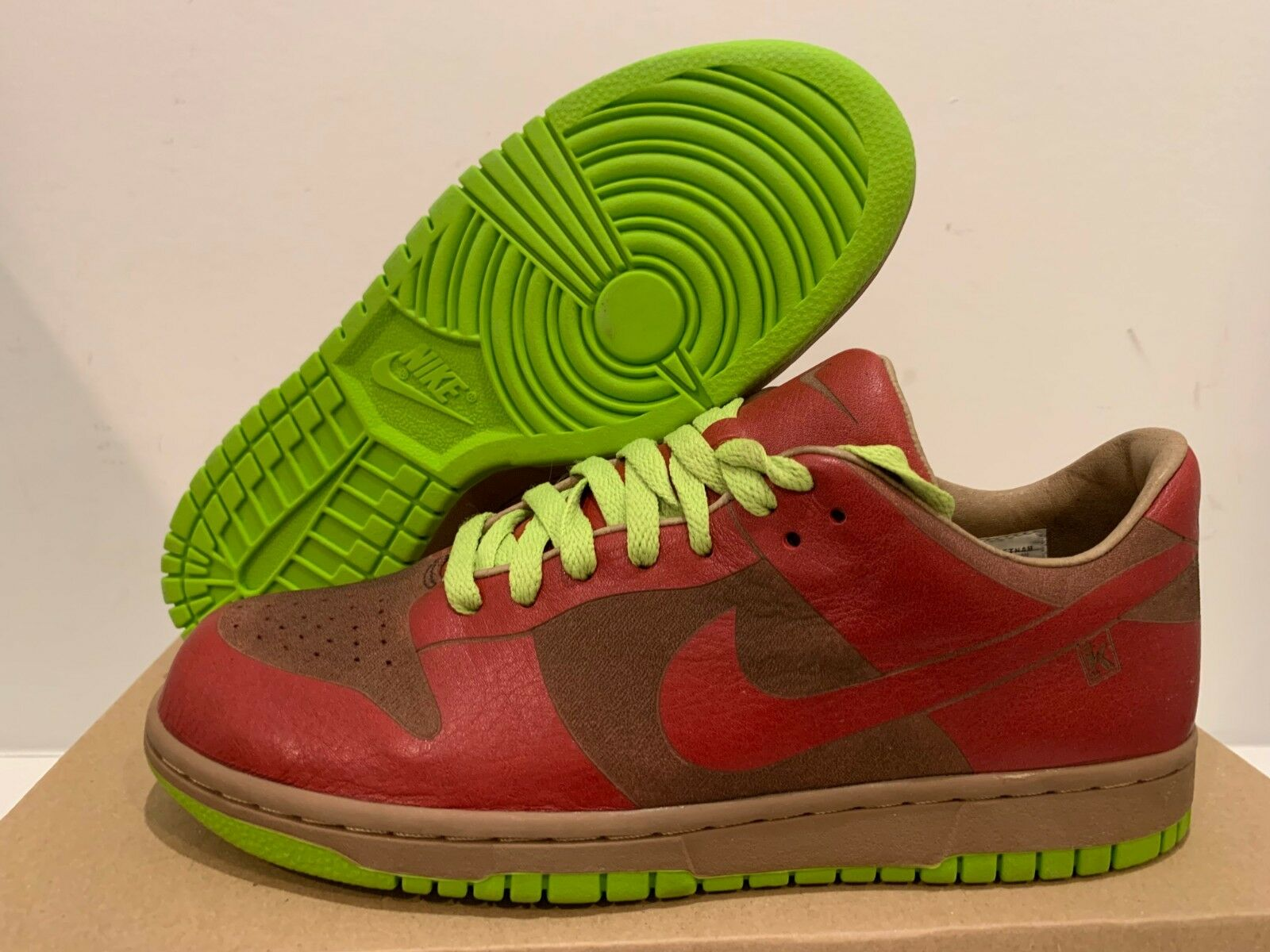 Nike Dunk Low Piece Laser Varsity Red Chartreuse Size 8 (Offer)