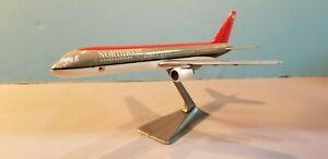 CMD-MODELS-NORTHWEST-AIRLINES-757-200-1-200-SCALE-PLASTIC-SNAPFIT-MODEL