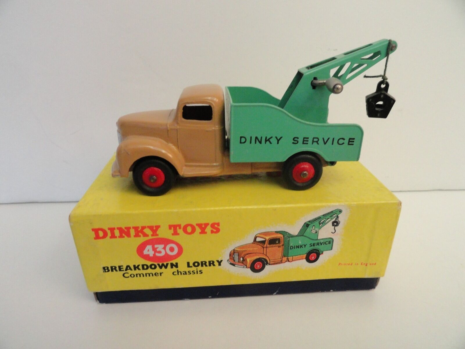 DINKY TOYS BREAKDOWN LORRY Commer Chassis Red Wheels In Box