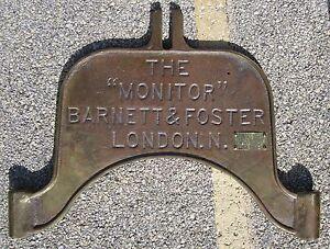 ANTIQUE-BOTTLING-MACHINE-BRASS-SIGN-BARNETT-amp-FOSTER-SODA-BEER-LONDON-CHICAGO