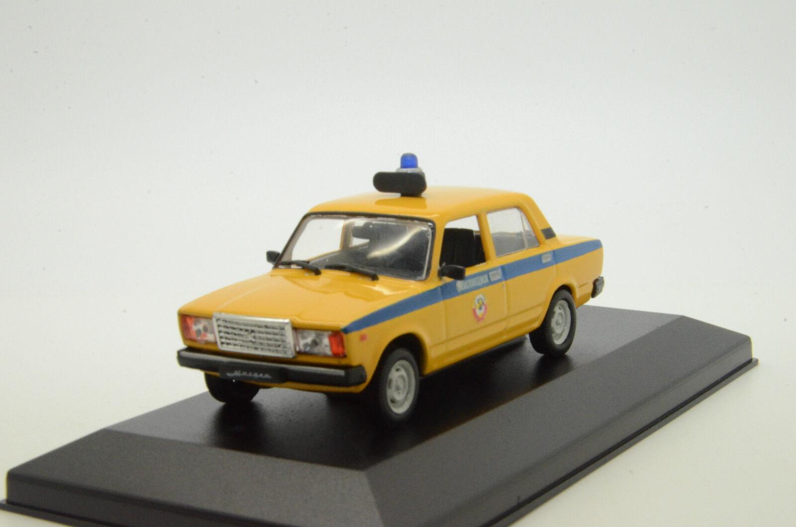 Rare Herregud Lada Vaz 2107 Ryska polisens kundkrets Made 1 43