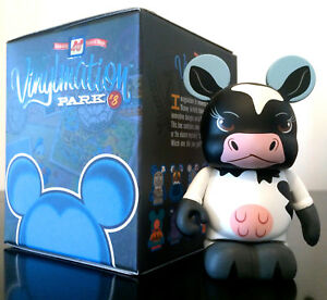 "DISNEY Vinylmation 3/"" Park Set Park 8 Minnie Moo Birthdayland Cow"