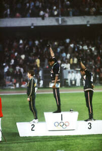 OLD-LARGE-PHOTO-USA-athletics-great-1968-Mexico-Olympic-Gold-Tommie-Smith-3