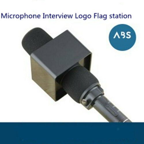 Quadratische würfelförmige Interview Sitzung Mic Microphone Flag Station