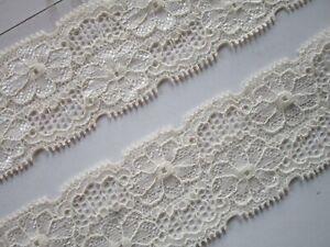 Elegante-Spitze-Creme-elastisch-4-5cm-breit-Borte-0846-s