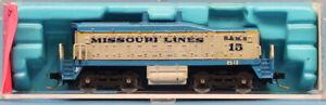 Atlas-1-160-N-Scale-EMD-SW-1500-Locomotive-Calf-Santa-Fe-Dummy-Train-4011U