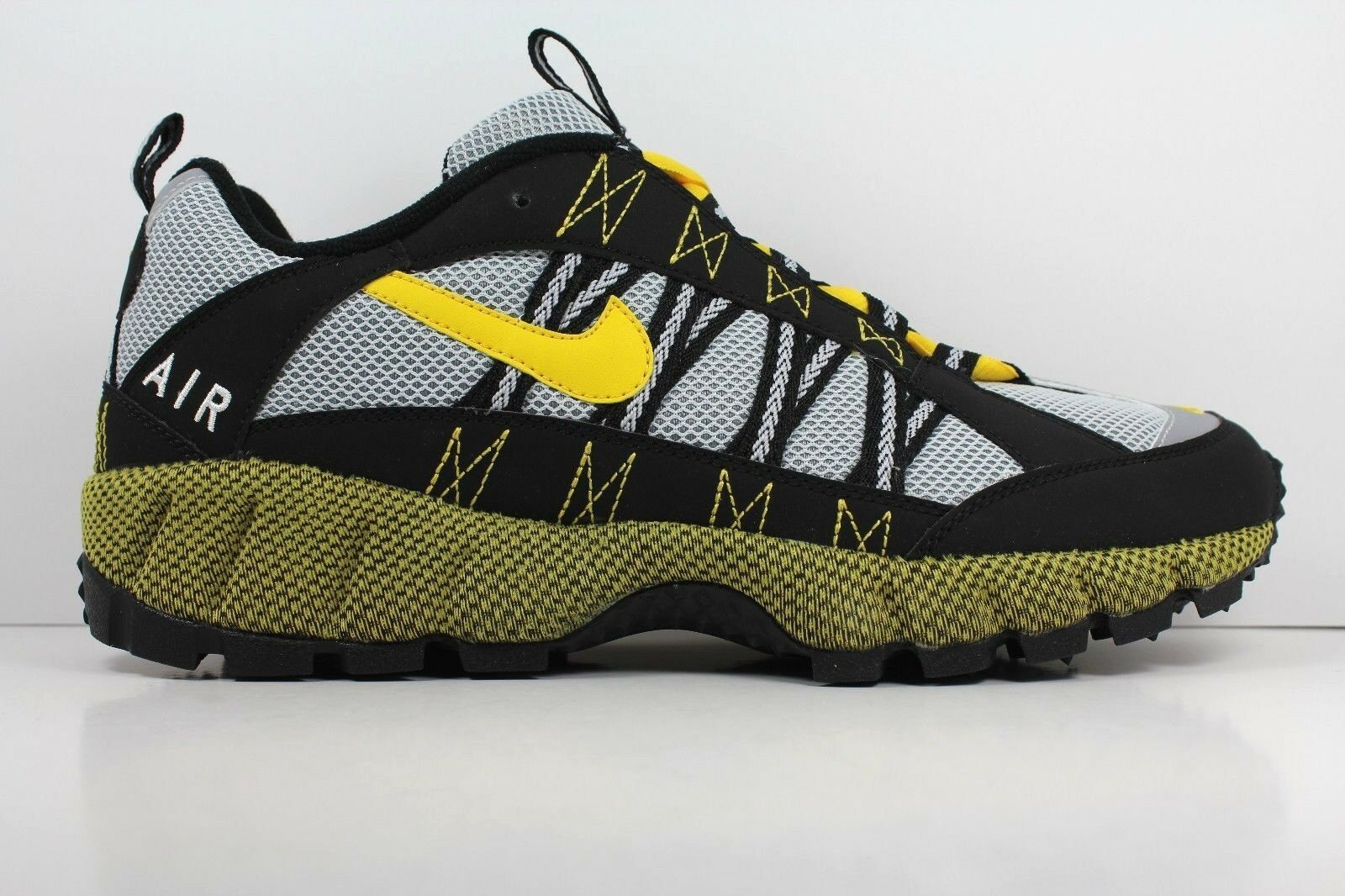 Nike Air Humara '17 Varsity Maize-Wolf Grey/Black Mens Shoes Size 9.5