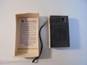 Vintage-1960-039-s-General-Electric-All-Transistor-Radio