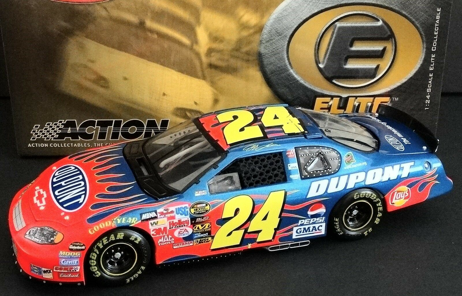Jeff Gordon  24 Dupont 1 24 Racing Collectables Club of America Elite flammes 2005 Monte Carlo 1324 1500