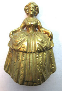 Cloche de table en bronze doré: Femme en robe de bal - France - Type: Objet de vitrine, Décoratif Authenticité: Original Sous-type: cloche Matire: Bronze Origine: France - France