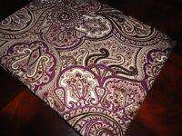 Waverly Paddock Purple Paisley White & Black Oblong Tablecloth 60 X 84 Seats 6-8