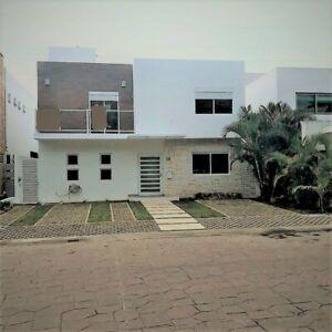Casa en Venta en Cancun Residencial Cumbres a Precio de Oportunidad 3 Recamaras Excelente Ubicacion