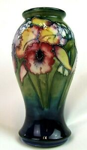 Stunning-Moorcroft-Orchid-Pattern-Vase-1940-039-s-Made-in-England