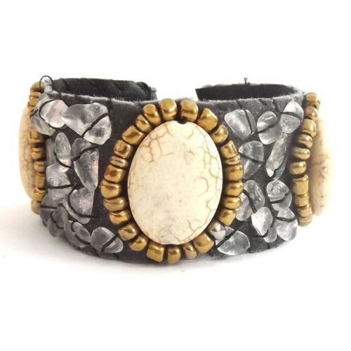 WITH OVAL CREAM HOWLITE STONE WIDE LEATHER AND QUARTZ CRYSTAL CHIP CUFF