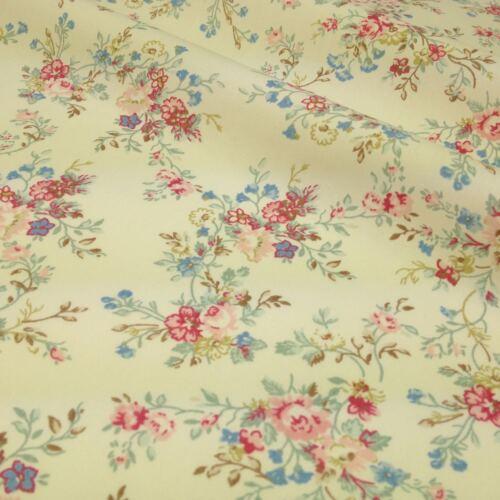 Cream florrie vintage floral fabric per 1//2 metre//fat quarter 100 /% cotton