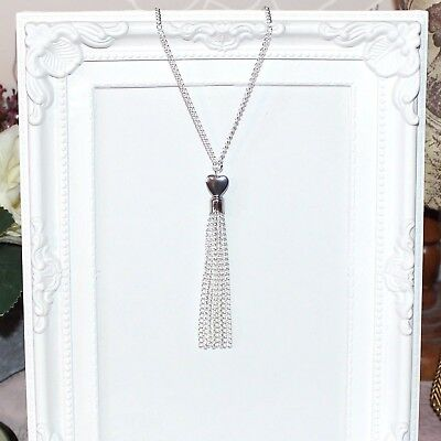 Vintage//flapper//Gatsby//1920/'s long silver necklace with heart beads /& tassel