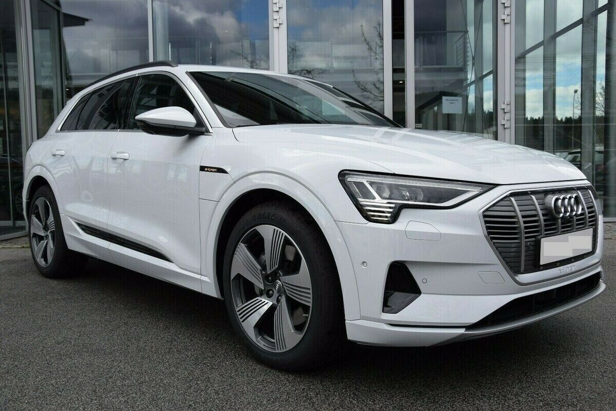 Audi e-tron 55 Advanced quattro 5d - 2.902 kr.