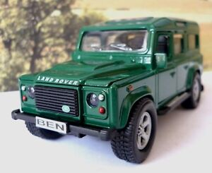 Personalised-Plates-GREEN-LAND-ROVER-DEFENDER-Model-Toy-Boy-Dad-Birthday-Present