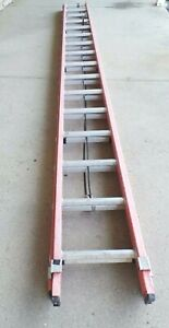 Type IA WERNER D6232-3 32 ft Fiberglass Extension Ladder