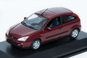 FORD-Focus-Mk1-3dr-2002-rosso-concessionaria-modello-Minichamps-scala-1-43-GIF-AUTO