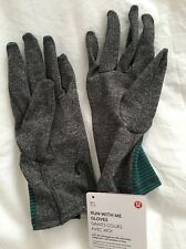 Lululemon Run With Me Gloves NWT M/L MNLQ/Heathered Black Color