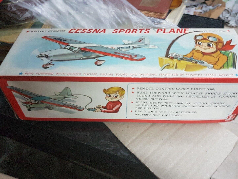 negozio online Cessna sporta Plane kit kit kit latta e plastica completo non testato come nuovo  designer online