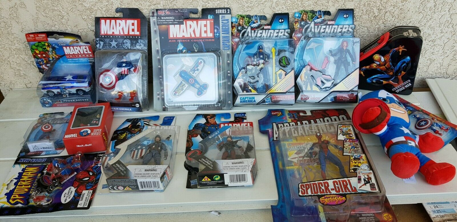 LOT MARVEL SPIDERMAN CAPTAIN AMERICA AVENGERS