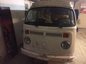 VW-Bus-T2b-Westfalia-Camper-original-und-unverbastelt-im-Erstlack