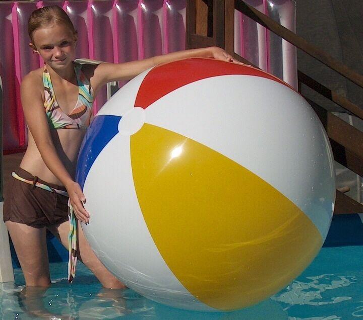 beach ball classic - 720×636