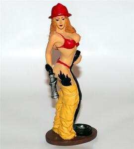 Nude figurines erotica