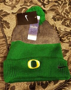 cheap for discount e004c f1a86 Image is loading NWT-Nike-Oregon-Ducks-New-Day-Pom-Beanie-