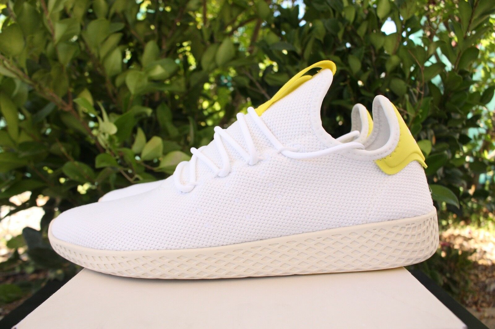 ADIDAS ORIGINALS PHARRELL WILLIAMS TENNIS HU SZ 8 CLOUD Weiß Gelb B41806