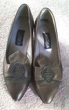 NICKELS Womens Shoes Sz 6B Kitten Heels, Leather, Low (3/4 in. to 1 1/2 in.)
