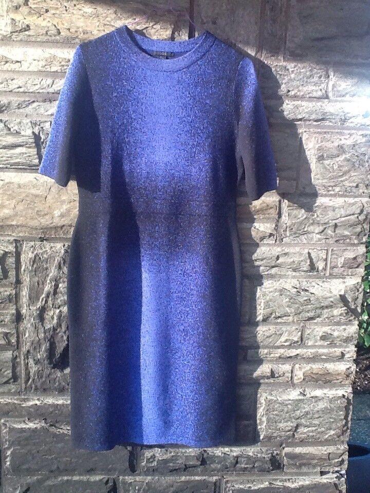 Blaues Strickkleid von Cos Größe S - ein absoluter Figurschmeichler