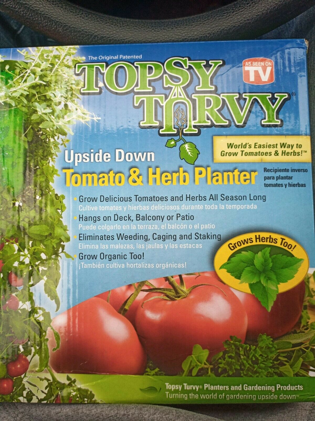 Planter Des Tomates En Pot topsy turvy tomato and herb planter