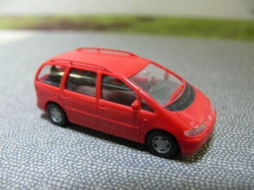 1//87 Wiking VW Sharan rojo 299 02