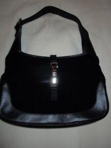 5f27fb8f8 A imagem está carregando Gucci-Jackie-O-Camurca-Preto-Pequeno-Com-Bolsa-