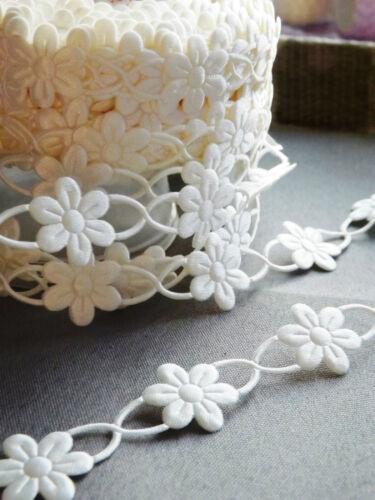 VINTAGE satin Daisies lace ribbon trim BRIDAL CRAFTS scrapbooking flowers