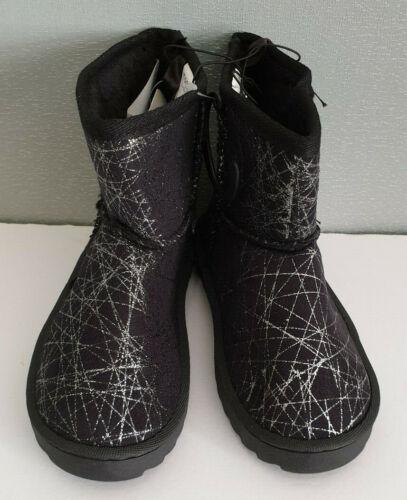 BNWOT Girls Size 4 Mango Brand Black Silver Glitter Print Fleece Boot Slippers
