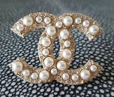 Chanel brooch pearl & strass / broche unworn