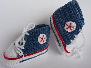 Babychucks, Babyschuhe, Socken, gehäkelt gestrickt, weiß/jeansblau/rot 10 cm Neu