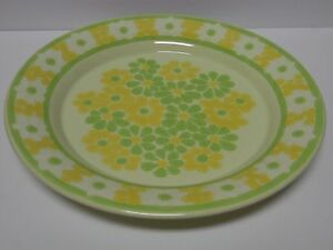 Old-RETRO-Vtg-1971-FRANCISCAN-PICNIC-PATTERN-GREEN-YELLOW-FLOWERS-DINNER-PLATE