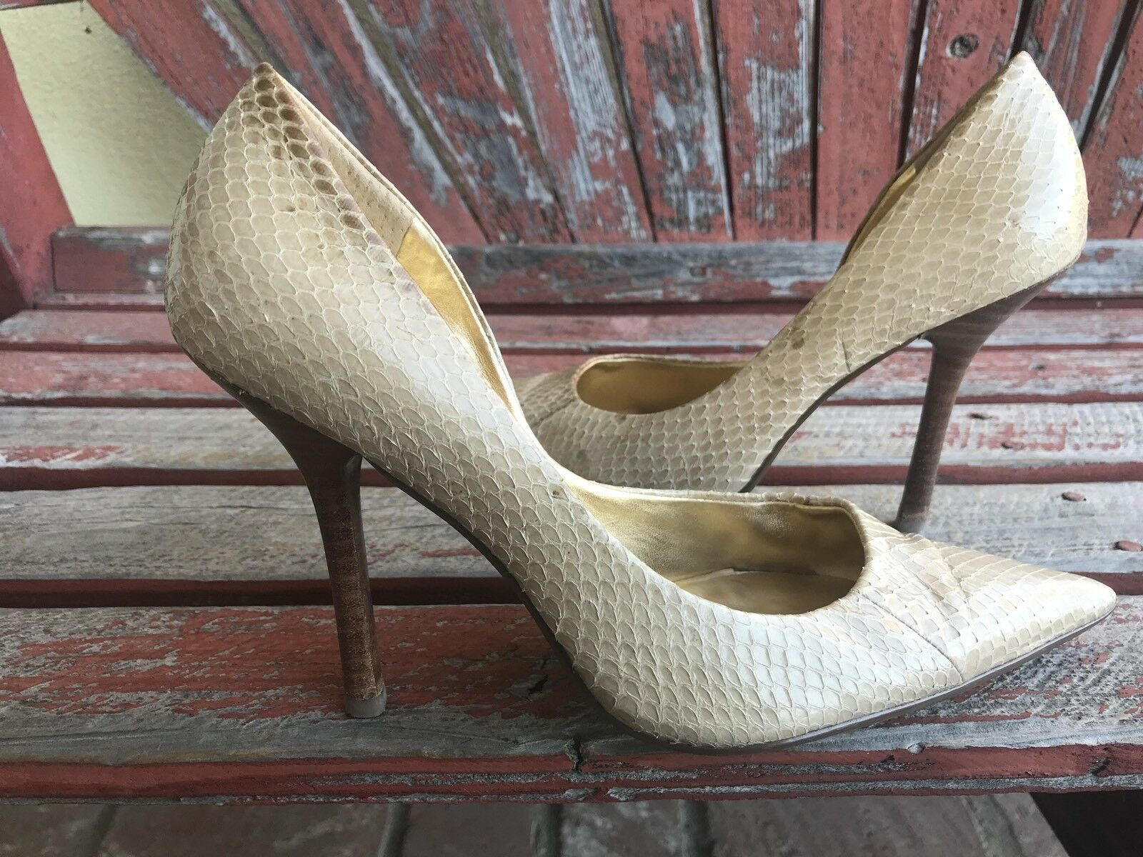 beiGe SNaKeSKiN EUC 7.5 Stiletto NUDE Pointed Toe CARRIE Stiletto 7.5 Heels PUMPs GuESS 2e15d0