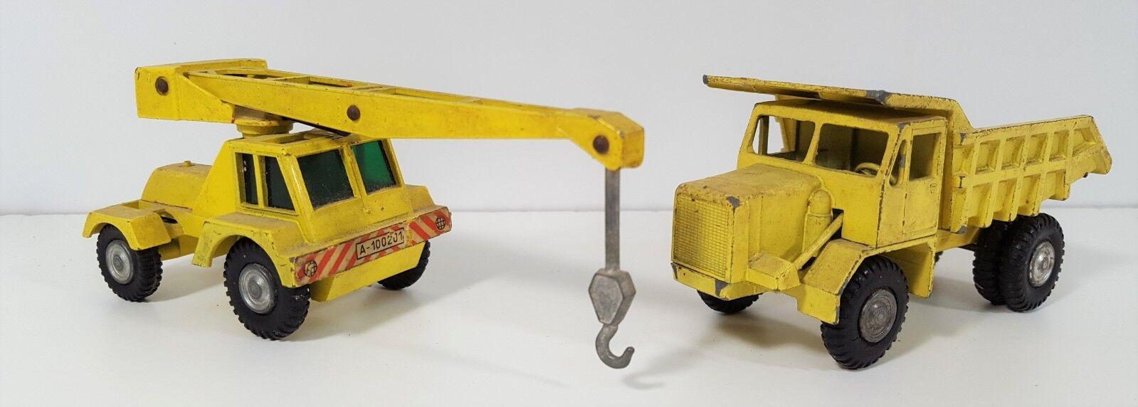 Pair of industrial vehicles. metal. joal. esc 1 43. spain. circa 1960.